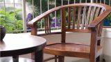 רהיטי עץ מלא במרפסת בדירה תל אביבית בעיצוב שרון אלה
