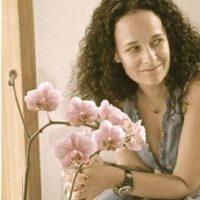 מעצבת פנים דנה פיין ממליצה על קורס ספריית החומרים של שרון